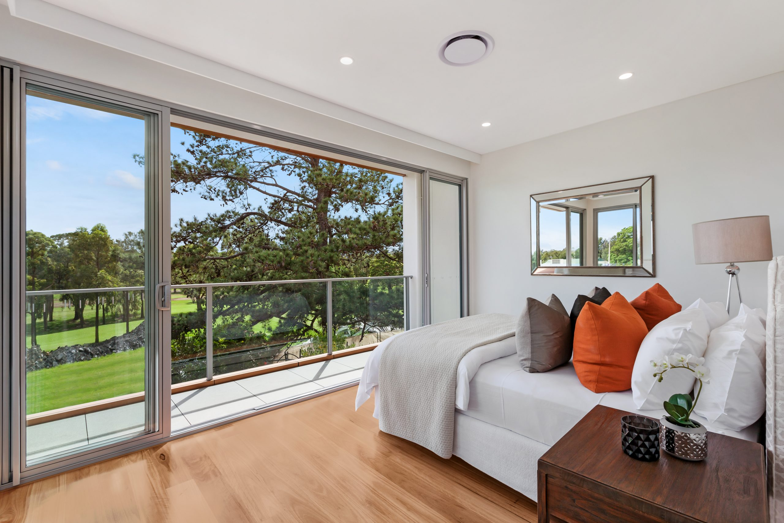 Centenary-Drive-84-Strathfield-Bed-scaled